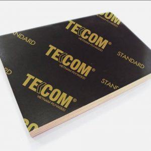 Bề mặt của cốp pha ván Tekcom phẳng, bóng nên sau khi đổ bê tông sẽ giúp bề mặt bê tông mịn mà không cần tô trát gì thêm